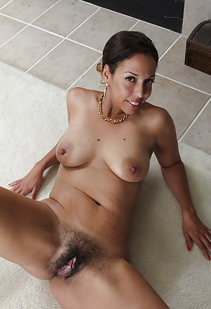 Ebony Hairy Pussy Pictures